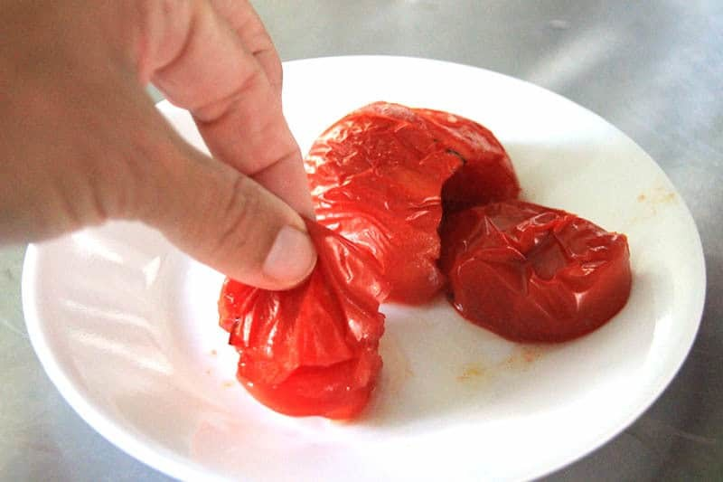 How to peel a tomato