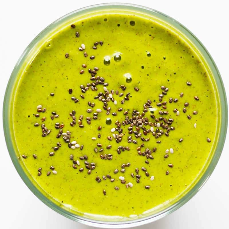 Green Detox Smoothie, an amazing citrusy, light smoothie with a spicy twist from Root and Revel.