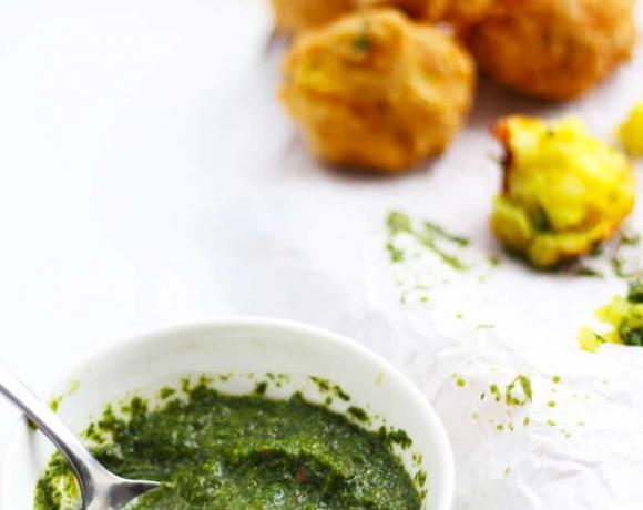 Green Cilantro and Mint Chutney Recipe