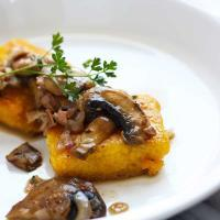 Fried Polenta Cakes With Mushrooms and Prosciutto