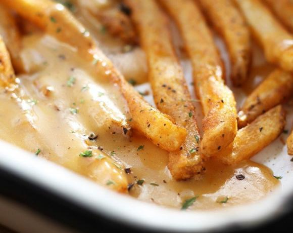 Welsh Rarebit Poutine Recipe